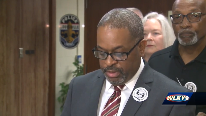Group meets with LMPD chief to discuss de-escalation
