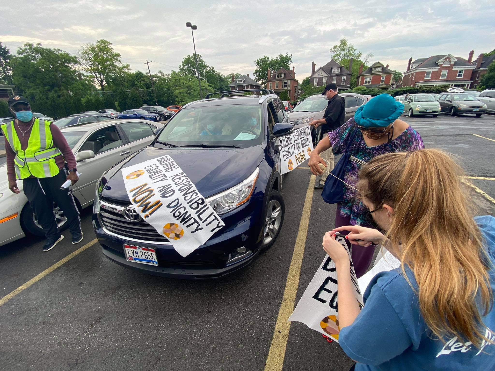 'Caravan of Change' takes a peaceful protest to Columbus streets